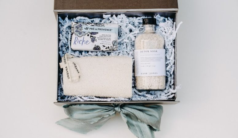 Chattanooga Wedding Gift Guide: Local Favors + Welcome Bag Ideas