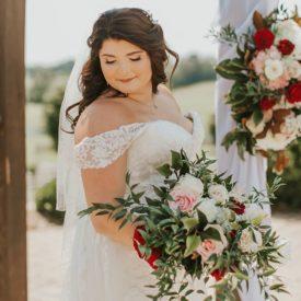 Real Wedding : Rebecca and Matt at Howe Farms | Kori Elizabeth Photography